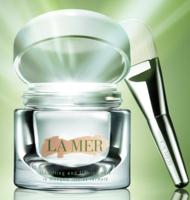 Up to $700 Gift Card with La Mer Beauty Purchases @ Saks Fifth Avenue