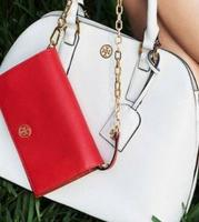 Up to 30% off  Tory Burch Wallet on Chain @ Tory Burch