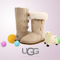 Up to 40% Off + Extra 10% Off UGG Kids' Boots @ 6PM